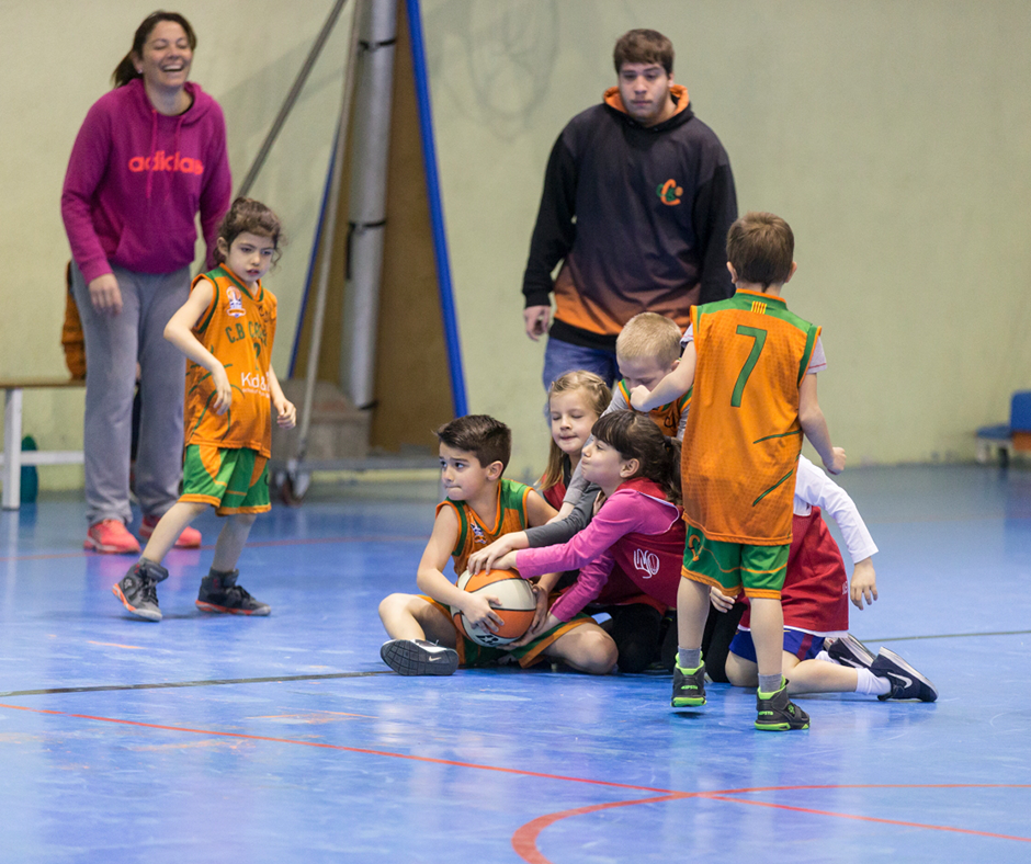 Què passa? Què té aquesta pilota?. Foto: Joan Maria Arenaza