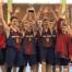 """Un moment de la celebració dels jugadors del Futbol Club Barcelona a la pista del pavelló municipal """"Parc Dalmau"""" de Calella"""