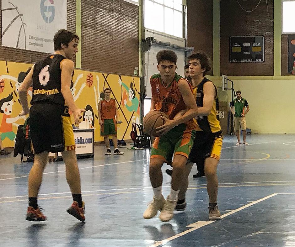 En Nil Pascual entra a cistella en el partit contra l'Argentona