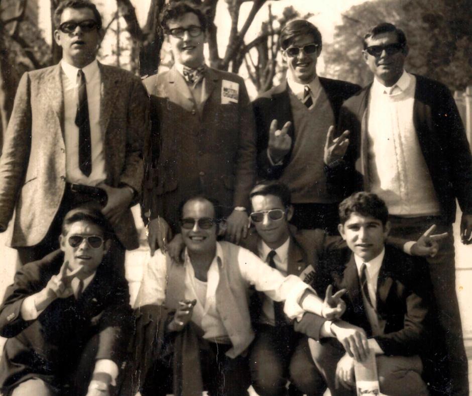 "De peu: Vilà, ""Castro"", Vicente, Vallés (entrenador). A sota: Ferrer, Bachs, Helios i Romero"