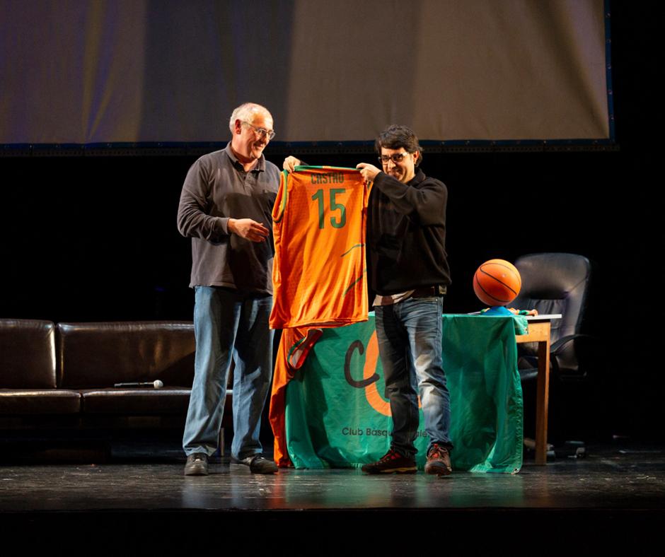 """CB Calella - """"Vaques sagrades"""". En """"Castro"""" amb la seva merescuda samarreta. Foto: Joan Maria Arenaza"""