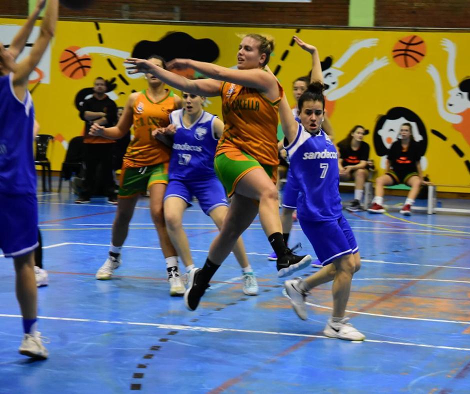 CB Calella - L'Estela Moral en un moment del partit contra el CB Ripollet. Foto: Esther Pujol