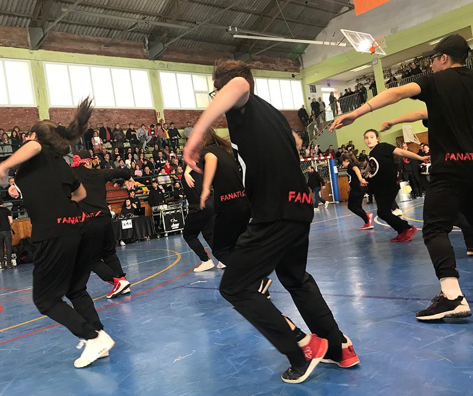 """CB Calella - Els """"Fanatix Urban Dance"""", sempre al costat del CB Calella"""