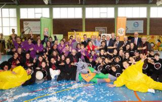 """CB Calella - La foto de família del traspàs de la """"Ciutat del Bàsquet Català"""""""