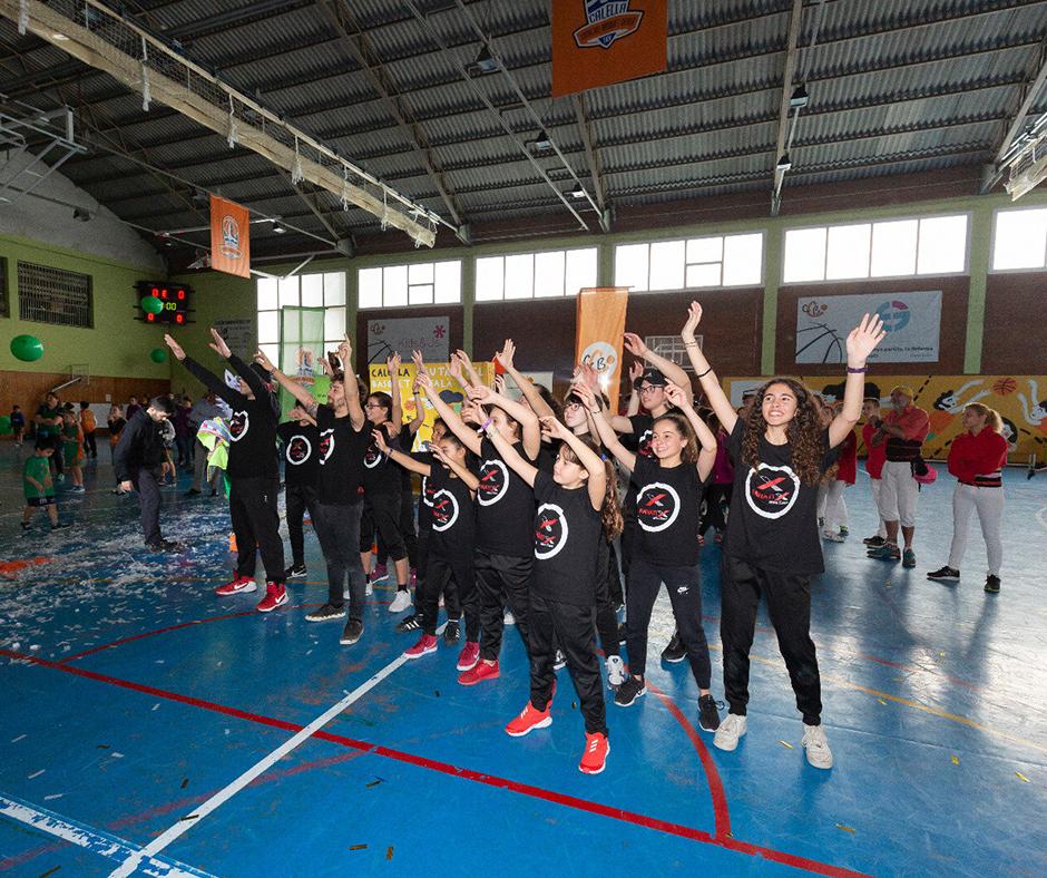 """CB Calella - Els """"Fanatix Urban Dance"""" en un moment de la seva actuació. Foto: Joan Maria Arenaza"""