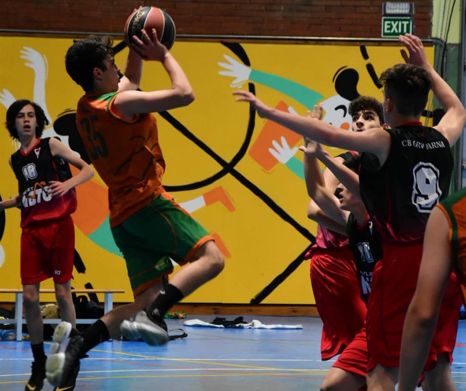 CB Calella - En Nil Pascual prova el tir. Foto: Esther Pujol