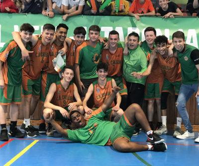 CB Calella - La foto de grup d'una Lliga