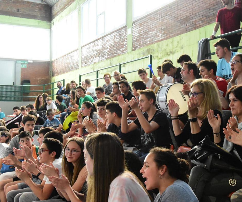 CB Calella - Un goig veure jugadores i jugadors de tots els equips del club. Foto: Esther Pujol