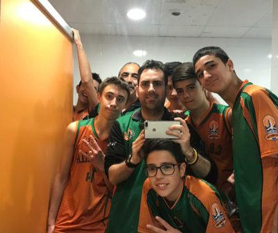CB Calella - La selfie del cadet C dedicada a l'Èric Mateos