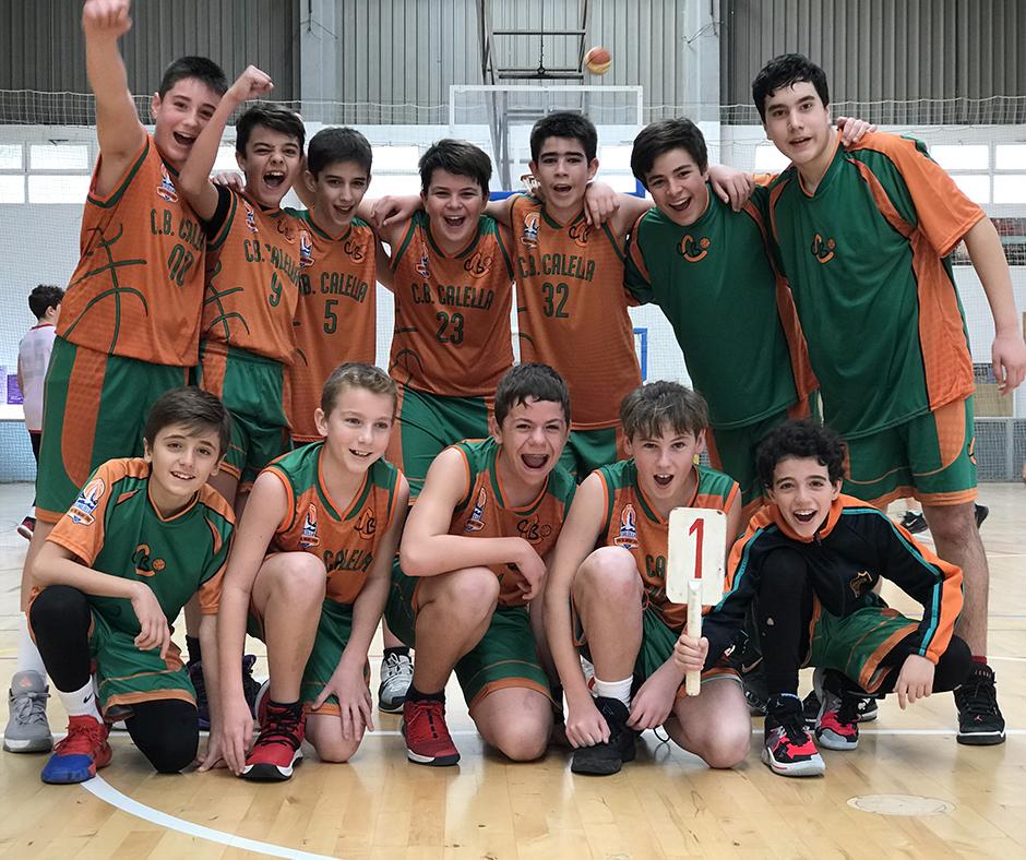 CB Calella - El preinfantil celebra el triomf a Canet